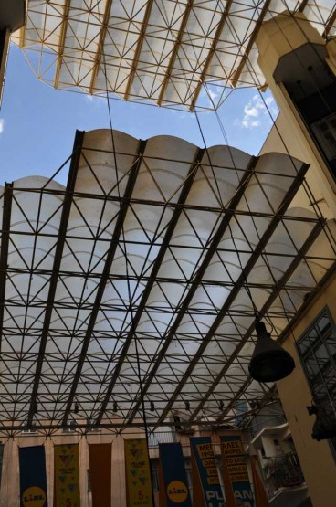 Roof structure for Millennium Shopping Center